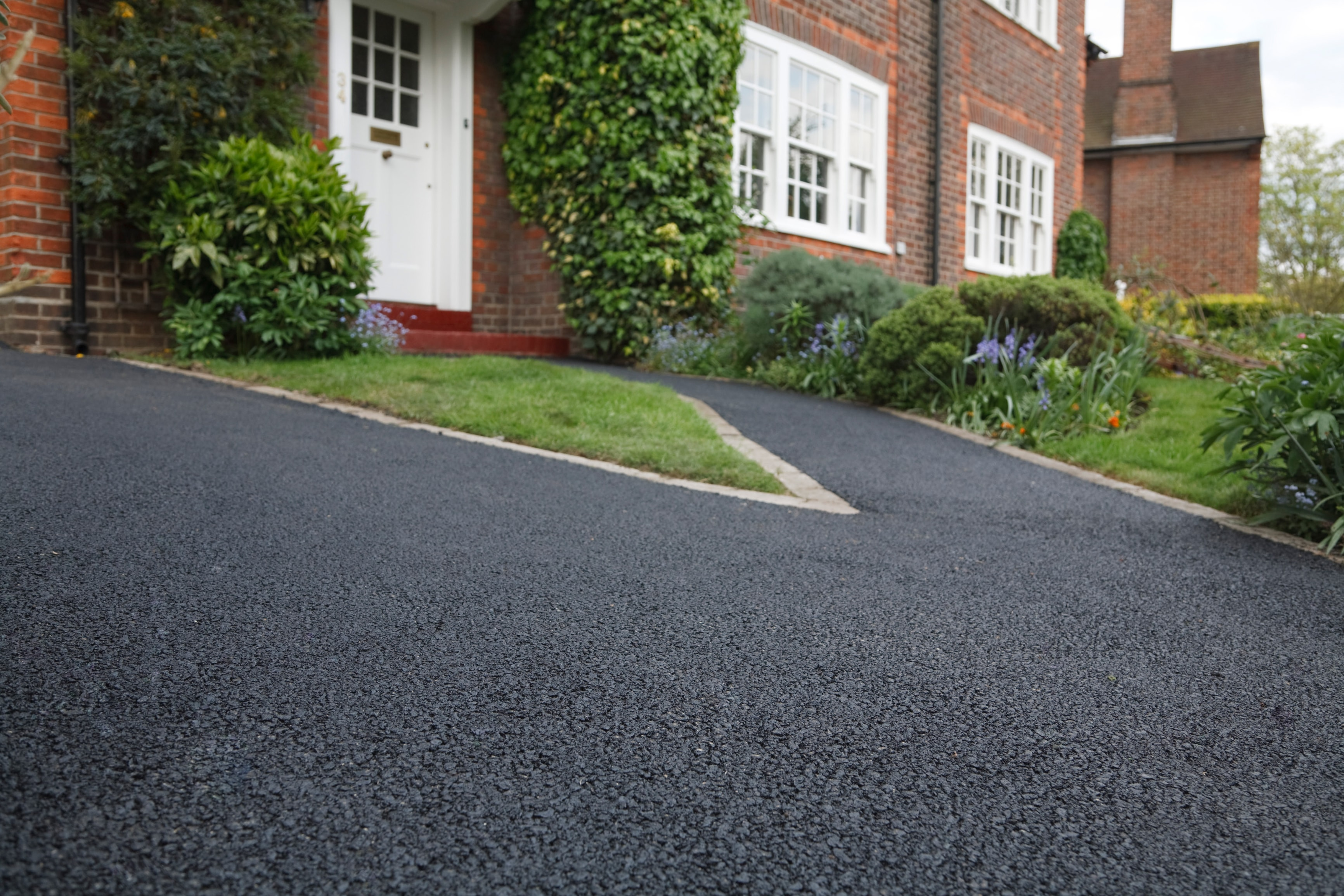 Tarmac Concrete Or Block Paving Birmingham Driveway - Front garden driveway ideas uk